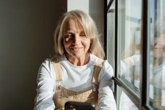 Casting comédienne entre 65 et 70 ans pour rôle dans publicité