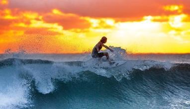 Casting surfeur et surfeuse entre 18 et 20 ans pour jouer dans long métrage