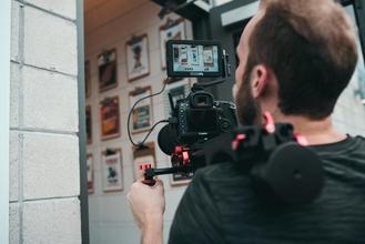 Recherche Cadreur Monteur pour filmer une conférence et faire un montage