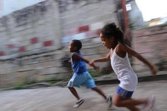 Cherche garçon de 8 ans et 1 fille entre 10 et 12 ans typés Afrique Noire pour film sur célèbre chaîne