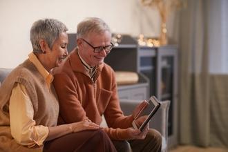 Casting couple homme et femme entre 45 et 50 ans pour vidéo témoignage