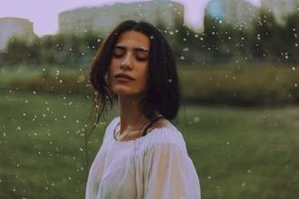 Casting modèle femme entre 18 et 30 ans pour jouer dans vidéo clip