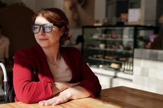 Casting figurante femme entre 35 et 50 ans pour shooting photo et vidéo