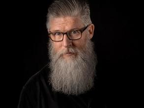 Cherche homme 55 ans + pour shoot campagne publicitaire