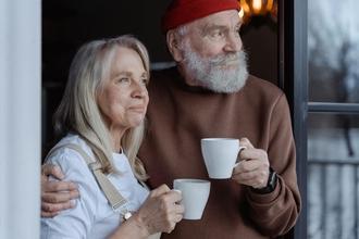 Casting film avec NICOLAS BEDOS recherche silhouette homme entre 80 et 90 ans