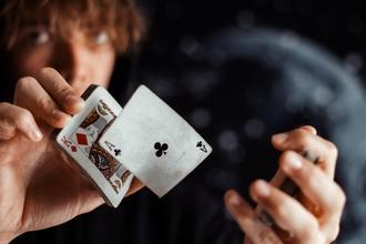 Casting magicien entre 45 et 65 ans pour vidéo thème Harry Potter