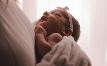 Casting bébé entre 3 et 4 mois pour jouer dans série