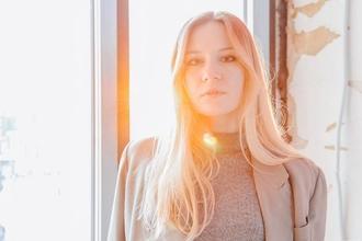 Recherche modèle blonde ou châtain clair 18 à 35 ans pour un groupe de cosmétique français