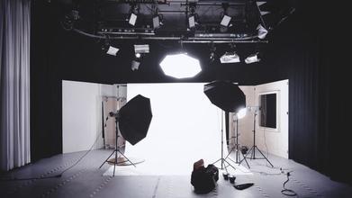 Cherche différents profils H/F entre 16 et 35 ans pour séance photo d'une grande marque