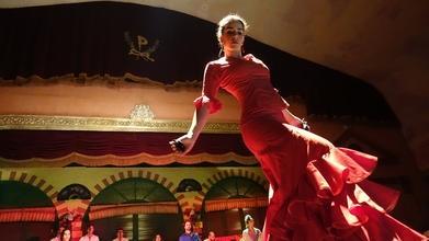 Recherche danseuse flamenco professionnelle expérimentée pour une troupe