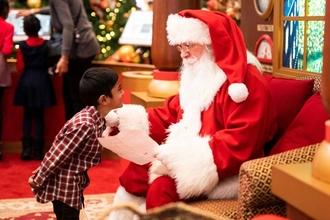 Recherche homme pour jouer le père Noël dans tournage publicitaire