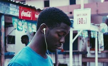 Recherche ados d'origine africaine entre 14 et 15 ans pour série.