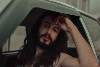 Casting homme figurant entre 25 et 35 ans type mannequin pour tournage clip musical