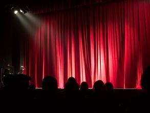 Recherche comédienne entre 20 et 35 ans pour comédie théâtre