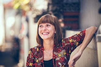 Recherche femme entre 40 et 50 ans pour shooting marque hygiène beauté