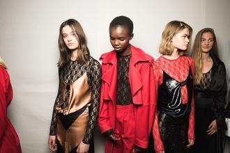 Cherche modeles Femmes site de Ecommerce Shootings à l'étranger