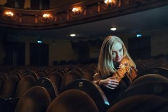 Casting comédienne entre 25 et 45 ans pour rôle dans pièce de théâtre boulevard