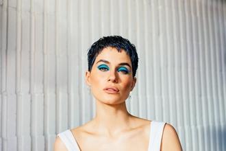 Casting modèle femme pour coupe de cheveux pour vidéo tuto coiffure