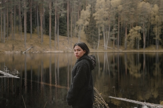 Casting jeune femme amérindienne pour rôle dans tournage bande annonce