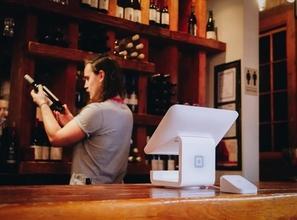 Recrute serveur ou serveuse pour le Salon ULM à Blois