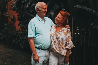 Casting couple homme femme entre 60 et 80 ans pour jouer dans clip de rap