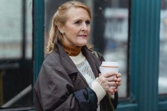 Casting femme entre 65 et 80 ans pour figuration dans fiction