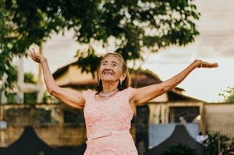 Casting femme entre 60 et 85 ans pour apparaitre sur photo dans long métrage