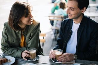 Casting figurant homme et femme pour publicité pour marque de café