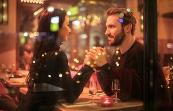 Casting couple homme et femme entre 35 et 45 ans pour figuration dans publicité
