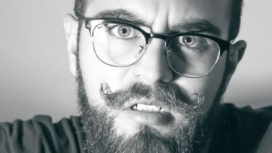 Urgent recherche modèles hommes avec barbes longues pour média beauté