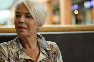 Recherche femme d'environ 60 ans pour campagne pub de marque de biscuit