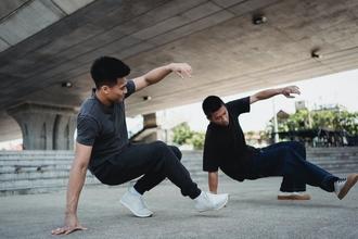 Casting jumeau ou jumelle entre 20 et 35 ans sachant danser pour vidéo clip