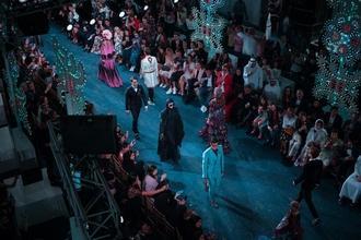 Cherche H/F de 18 à 65 ans toutes ethnies et tous physiques pour événement haute couture