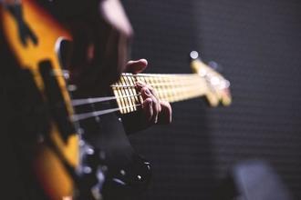 Cherche musicienne contrebassiste habitant en Picardie pour un spectacle