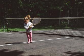 Recherche jeunes filles sachant jouer au tennis pour le film 5ème set avec Alex Lutz