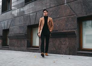 Casting modèle homme entre 20 et 30 ans pour shooting photo