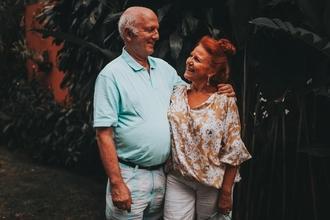 Casting homme et femme 75 ans et plus pour jouer dans vidéo clip de Gael Faure