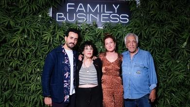 Recherche figurants grands et costauds pour la série Family Business