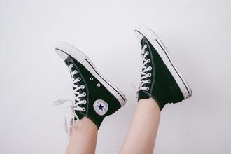 Cherche actrices 20 à 25 ans pour publicité web de chaussures