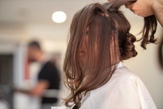 Casting modèle femme pour défilé de mode et coiffure