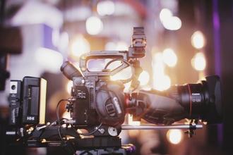 Cherche comédienne de 55 à 65 ans pour film institutionnel et shooting photo