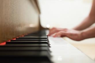 Recherche doublure pianiste pour long-métrage