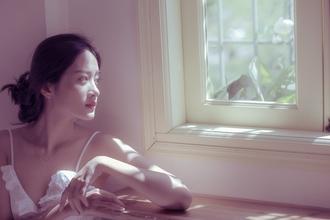 Casting modèle femme pour égérie photographe