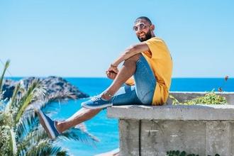 Cherche hommes 20 à 40 ans typés maghrébins pour campagne publicitaire
