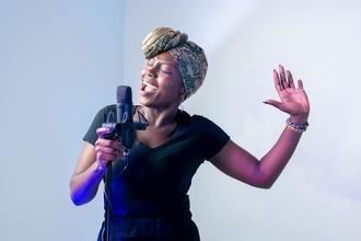 Recherche chanteurs entre 18 et 40 ans pour gala côte d' Azur