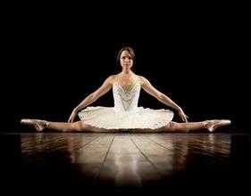 Cherche silhouette danseuse série balthazar avec Tomer Sisley et Hélène de Fougerolles