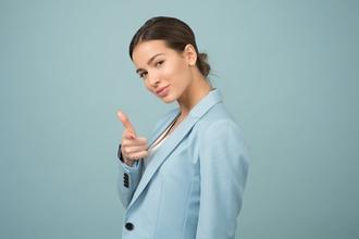 Casting homme ou femme avec accent britannique pour rôle dans publicité