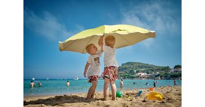 Recherchons des enfants jumeaux pour projet publicitaire d'une marque de cosmétiques