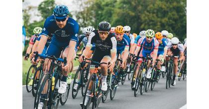 Cherche cyclistes figurants et doublure pour la série Meurtre au Paradis saison 9