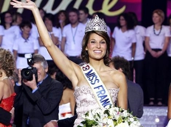 Laury Thilleman : Miss France 2011!